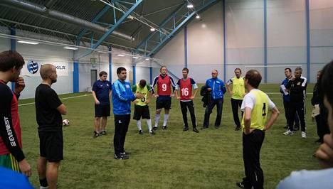 Suomalaisvalmentajille tuodaan oppia Kataloniasta saakka.