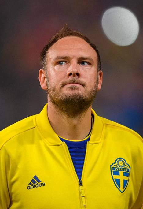 Ruotsin kapteeni Andreas Granqvist komppasi päävalmentajaansa. Kisaformaatti on epäreilu.