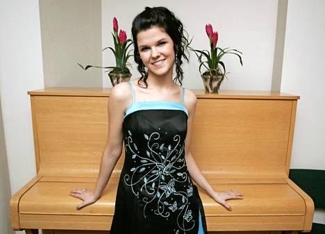 Vuonna 2007 Saara Aalto kilpaili Talent Suomessa. Aiemmin samana vuonna hänen kappaleitaan haluttiin julkaista Bosniassa.
