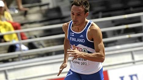 Jonathan Åstrand antoi täyslaidallisen Olympiastadionin kaarteelle.