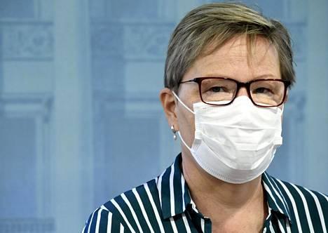 Sosiaali- ja terveysministeriön osastopäällikkö Tuija Kumpulainen pitää mahdollisena, että ensimmäisten rokotteiden jakelua voivat hankaloittaa viime hetken ongelmat, kuten toimitushäiriöt tai vaikeudet myyntiluvan saamisessa.