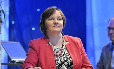 Keskustan kansanedustaja ja eduskunnan maa- ja metsätalousvaliokunnan puheenjohtaja Anne Kalmari