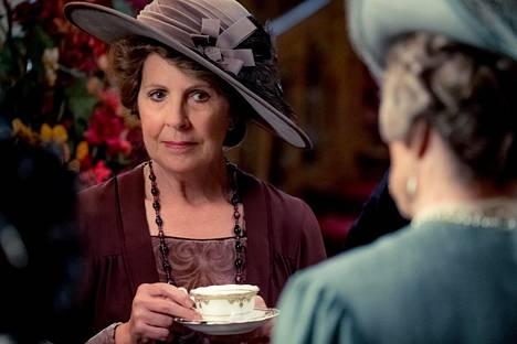 Isobel Crawleyn roolissa näyttelee Penelope Wilton.