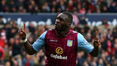 Christian Benteke iski Aston Villalle kaksi maalia.