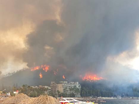 Lauran mukaan alueella oli ainakin 40 astetta lämmintä. Vuorelta tulevat henkäykset kuumensivat ilmaa entisestään.