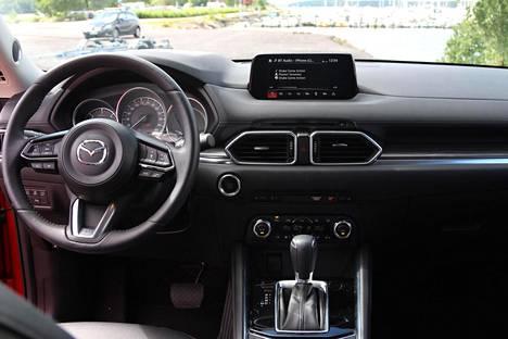 Ohjaamo on kuljettajan kannalta rauhallinen ja käyttäjäystävällinen.