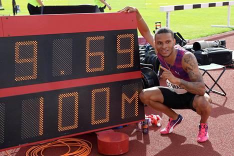 Kanadalaissprintteri Andre De Grassesta on tullut Usain Boltin kovimpia haastajia. 22-vuotias De Grasse juoksi kesäkuun puolivälissä Tukholman Timanttiliigassa hurjan tuloksen 9,69. Tulos ei ollut tilastokelpoinen liian kovan myötätuulen vuoksi.