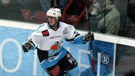 Toni Saarinen pelasi Pelicansissa vuosina 1998–2005.