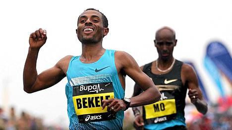 Kenenisa Bekele löi Mo Farahin viikonloppuna puolimaratonilla.