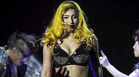 Lady Gaga esiintyi 7. marraskuuta Unkarissa.