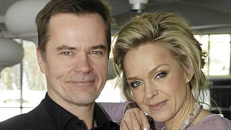 Carl-Kristian Rundman ja Anu Sinisalo nähdään taas pian tv:ssä rikollista elämää viettävinä Tapio ja Jaana Mikkosena.