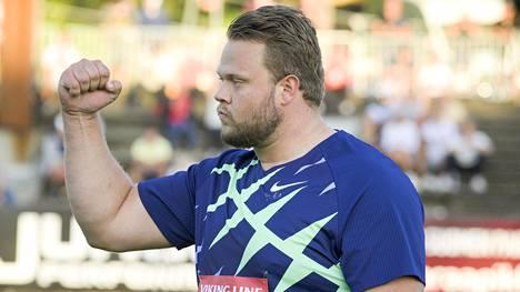 Daniel Ståhl ehti jo juhlia yli 70-metristä kiekkokaartaan.