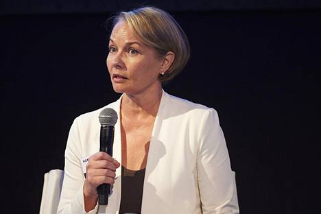 Ex-kansanedustaja Hanna-Leena Hemming ylsi viime vuonna korkeille tuloille, mutta nosti lokakuussa sopeutumisrahaa. Vielä elo-syyskuun listoilta Hemmingin nimeä ei löydy.