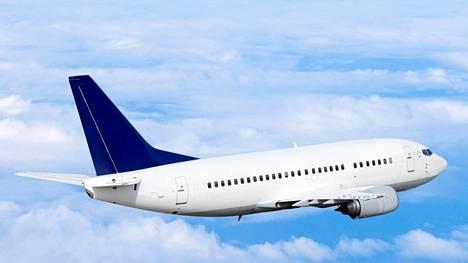 Asiantuntijoiden mukaan lentohinnat jatkavat laskuaan vuonna 2016.