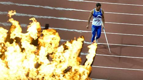 """Tero Pitkämäki """"tulessa"""" Lontoon olympialaisissa 2012."""
