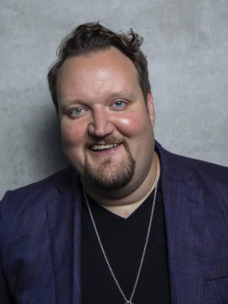 Sami Hedberg on yksi Suomen menestyneimmistä stand up -koomikoista. Hänet on myös nähty useissa tv-sarjoissa.