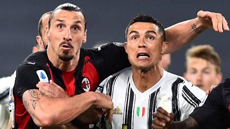 Zlatan Ibrahimovic (vas.) loukkaantui viime sunnuntain Juventus-ottelussa, jossa hän pääsi ottamaan mittaa muun muassa vanhasta kilpakumppanistaan Cristiano Ronaldosta.