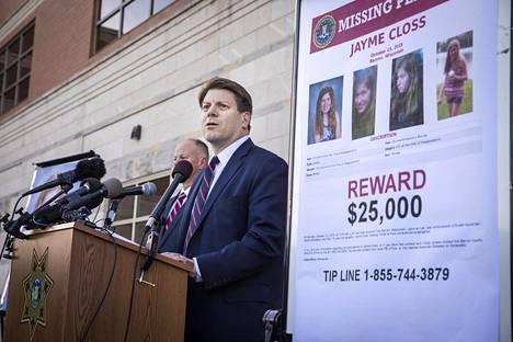 FBI toivoo löytöpalkkion kannustavan yleisöä antamaan lisää vihjeitä.