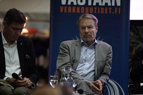 Puolustusvaliokunnan puheenjohtaja Ilkka Kanervan mielestä Boltonin paljastukset nostavat Suomen pörssinoteerausta kansainvälisessä politiikassa.