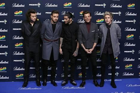 Harry Styles, Liam Payne, Louis Tomlinson ja Niall Horan jatkavat esiintymistä ilman Zayn Malikia.