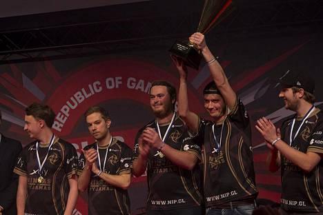 Ninjas in Pyjamas ei puolusta ASUS ROG -mestaruuttaan DigiExpoilla, kun joukkue kilpailee samaan aikaan Romaniassa järjestettävässä Major-turnauksessa.