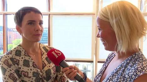 Maria Veitola Katri Utulan haastattelussa
