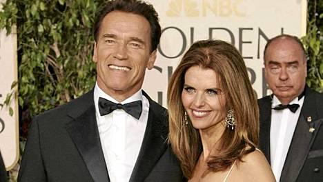 Arnold Schwarzenegger ja Maria Shriver Golden Globe -gaalassa 2005.