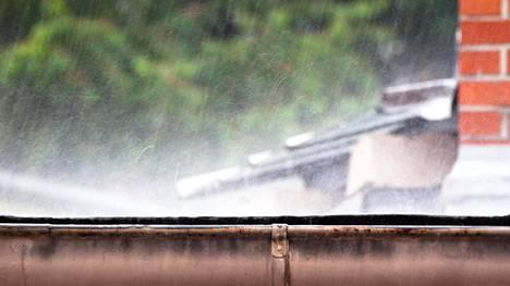 Leudot talvet lisäävät kosteusvaurion riskiä, asiantuntijat kertovat.
