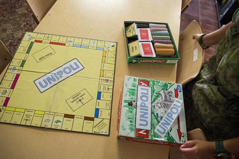 Monopolin rauhantuvaajaversiosta löytyy kaikki oleellinen. Pelin alkuperä on tuntematon.