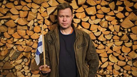 Suomen lipun käyttäminen taiteessa on Marko Kaiposen kohdalla johtanut ennenkin protesteihin. Taiteilijalle itselleen Suomen lipulla ei ole suurta merkitystä.