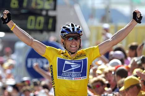 Yhdysvaltalainen äityi kilpapyöräiljänä huimiin suorituksiin.