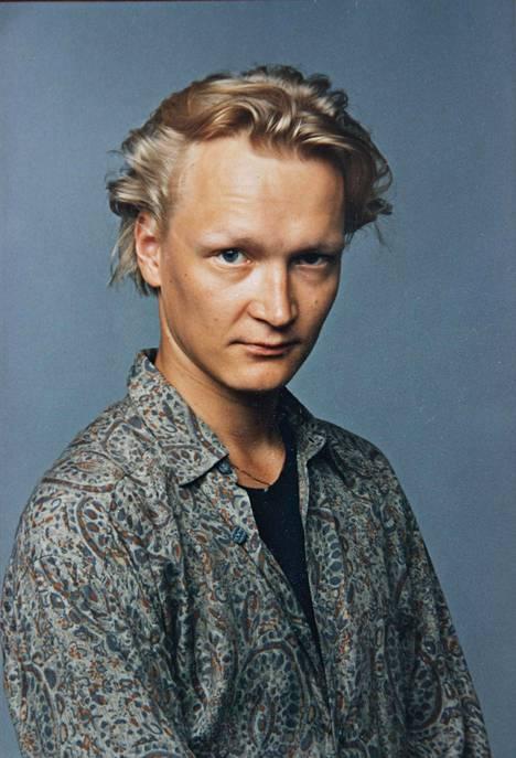 Suolaista ja makeaa -elokuva vuonna 1995. Nuorukainen valmiina valloittamaan estradit.