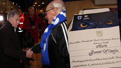 Presidentti Sauli Niinistö tapasi huoltajalegenda Gunnar Yliharjun Töölön jalkapallostadionin edustalla ennen Liechtestein-ottelua.