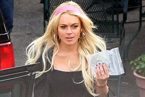 Lindsay Lohanin perhekuviot tulevat tutuiksi tosi-tv-sarjasta.