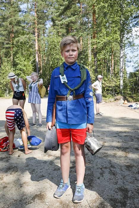 """Otto Kangasmäki, 12, nukkui yön riippumatossa. """"Oli viileää, vaikka ei ehkä uskoisi."""""""