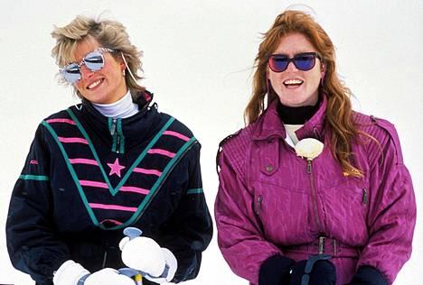 Kuvassa Diana ja Sarah Ferguson vuonna 1988. Herttuattaret olivat keskenään ystäviä.