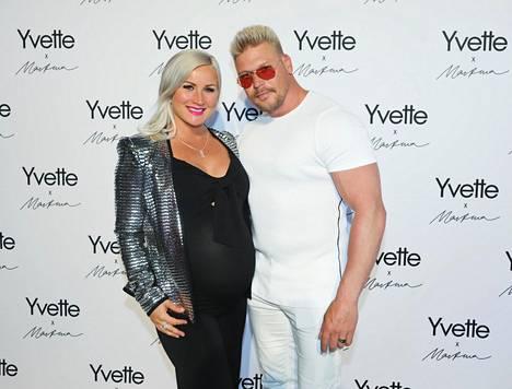 Aki ja Rita kuvattuna Yvette x Martina -lanseeraustilaisuudessa viime toukokuussa.