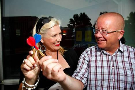 Jo ruudusta poistuneet Lea Saukkonen (MTV3) ja Juha Föhr (Yle).