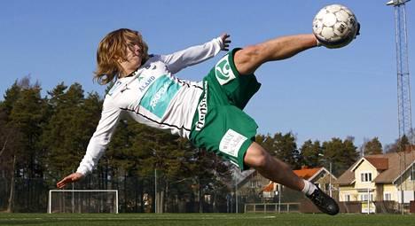 Petteri Forsell nousi IFK Mariehamnin riveissä otsikoihin. Nyt hän pelaa Puolan kakkosliigassa.