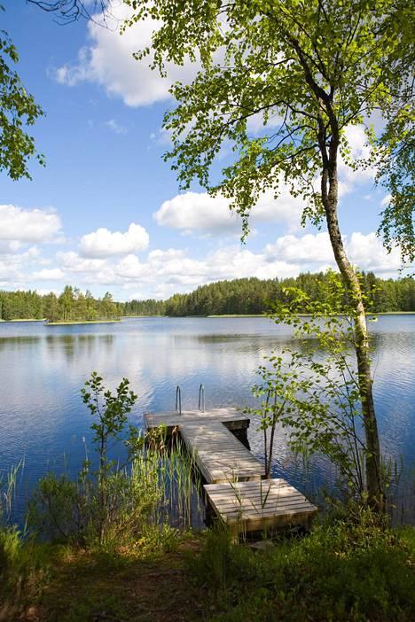 Suomen luonto herättää usein ihastusta ulkomaalaisissa, mutta kieli jakaa mielipiteitä: toisten mielestä se kuulostaa oudolta, toisten mielestä taas kauniilta ja haltijamaiselta.