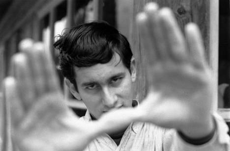 Steven Spielbergiä alettiin jo 1960-luvun lopussa pitää nuorena ohjaajaihmeenä tv-töidensä ansiosta.