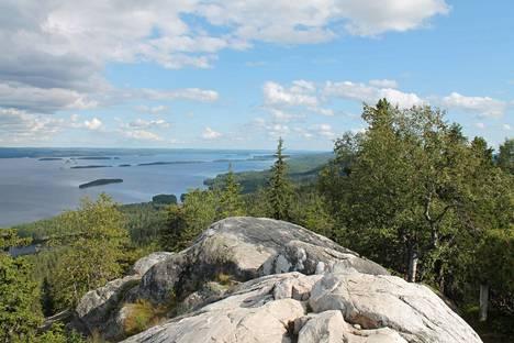 Kansallismaiseman ydin, Kolin korkein kohta on 347 metriä merenpinnasta.