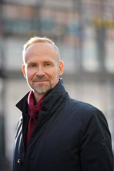 Ylikomisario Jari Taponen kehottaa ilmiantojen uhreiksi joutuvia tekemään rikosilmoituksen.