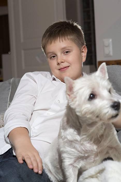 Henrik Kääriäinen, 9, on Suomen nuorin tsunamista selviytynyt.