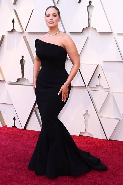 Ashley Graham juhli Oscareissa ensi kertaa tänä vuonna.