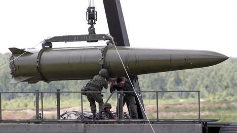 Venäläinen Iskander-ohjus kuvattuna Moskovan lähellä kesäkuussa 2015.