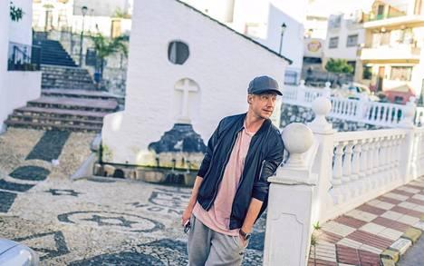 Samu osallistui Vain elämää -ohjelmaan Espanjassa 2017.