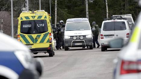 Epäilty vietiin operaation päätteeksi maijaan.