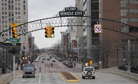 Flintin keskustaa kolmisen vuotta sitten joulukuussa. Kaupungin alamäki alkoi jo 1980-luvulla, kun yhdysvaltalaiset autojätit alkoivat menettää jalansijaa.