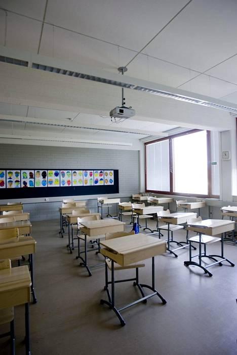 Kunnille annettavan ohjeen mukaan koulujen ilmastoinnin voi yleensä sammuttaa yöksi, kunhan se käynnistetään pari tuntia ennen opetuksen aloittamista.